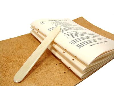 Eine Monogramm Prägung - Personalisieren Sie Ihr Lederbuch
