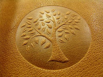Eine Motiv Prägung - Personalisieren Sie Ihr Lederbuch